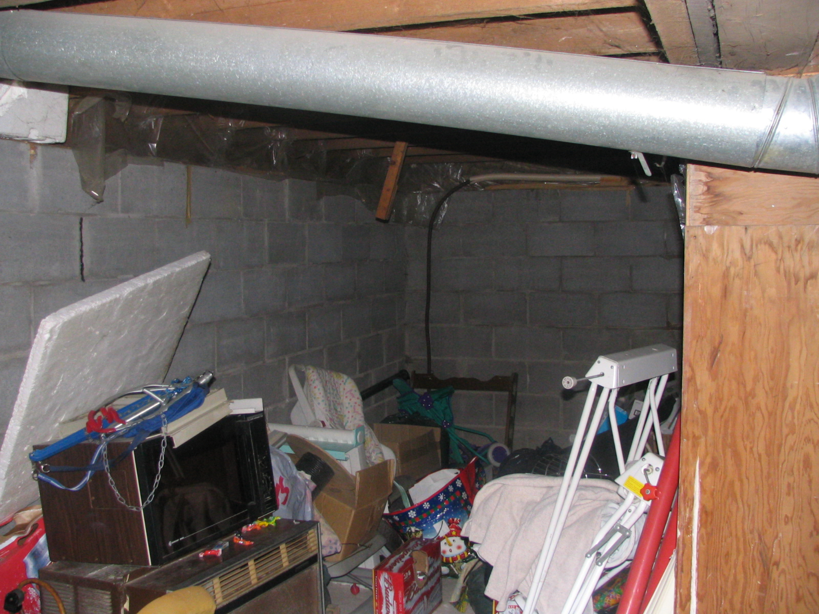 House Hunting In Wallaceburg Basement Wiring Canada Various Water Heaters And Utility Area The You Can Tell A Bit About Headroom With Seeing Austin Picture On Right